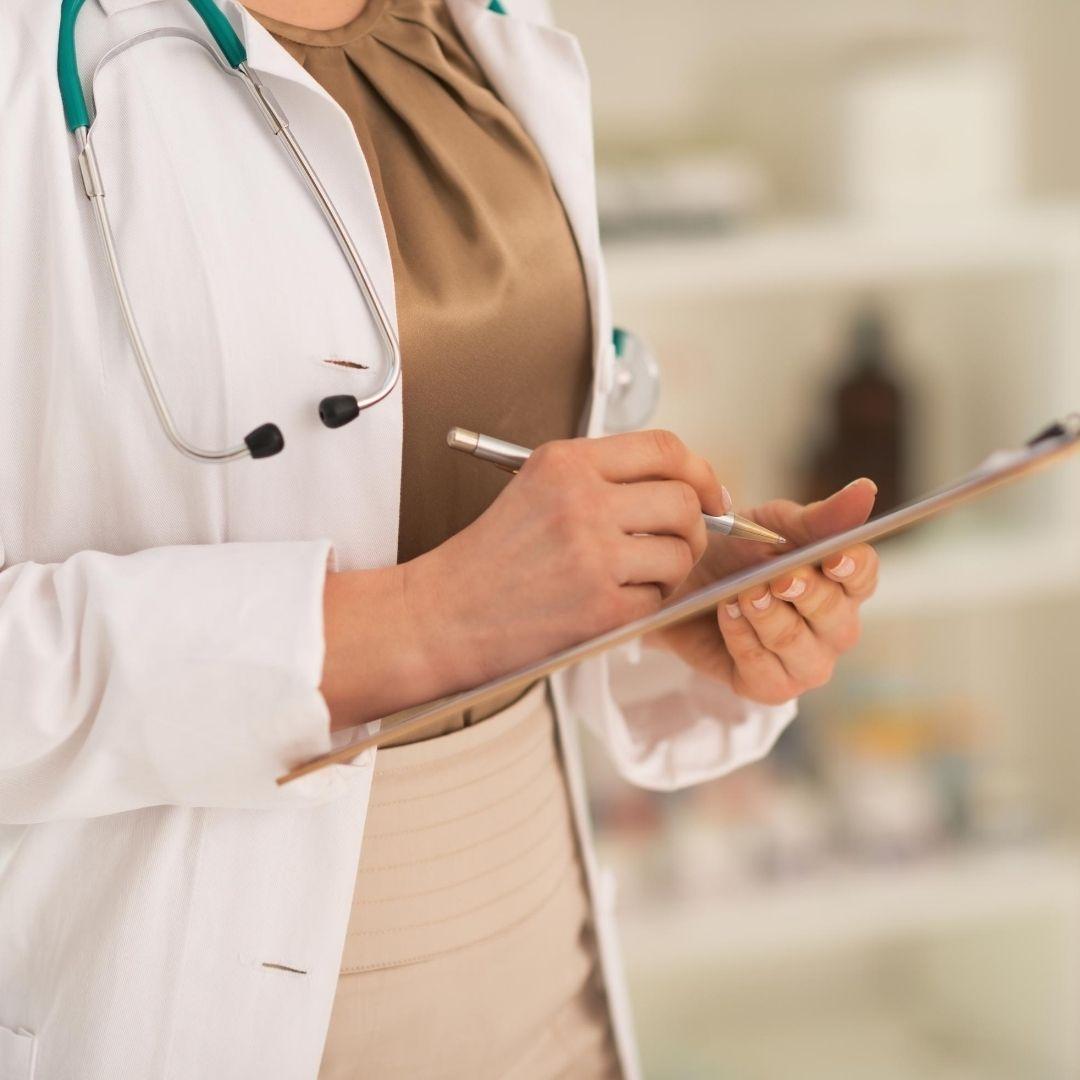 Consulta de Medico especialista en Rehabilitación